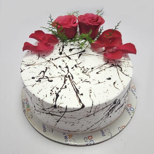 Classy Cake with Roses